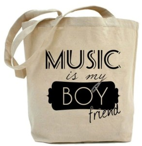 "Shopper   ""MUSIC is my BOYfriend"""